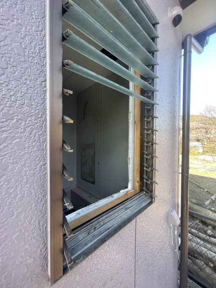 ルーバー窓 ジャロジー窓 交換 マドリモ