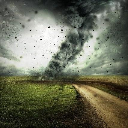 cyclone-2102397_640-2