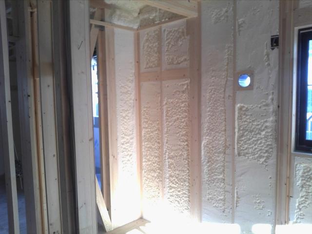 発泡ウレタン壁充填断熱